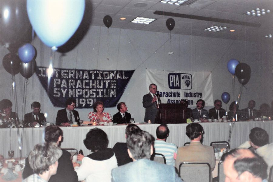 People celebrating at the 1991 PIA Symposium Banquet.